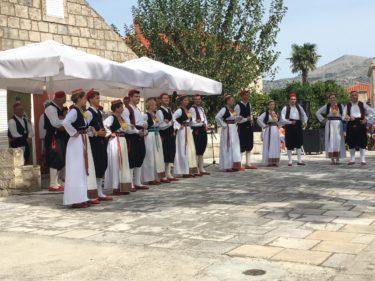 【クロアチア旅行記】チリピ村で伝統民族舞踊を鑑賞